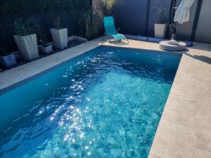 Skimmer Pool bei LinzFarbe des Pools: weiß